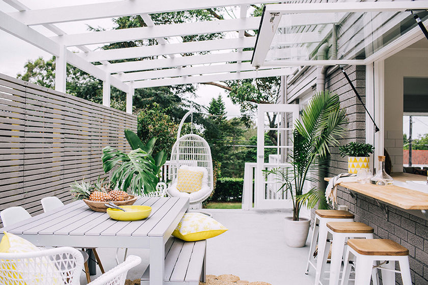 20 Glorious Outdoor Living Spaces Combining Comfort With ... on Relaxed Outdoor Living id=23248