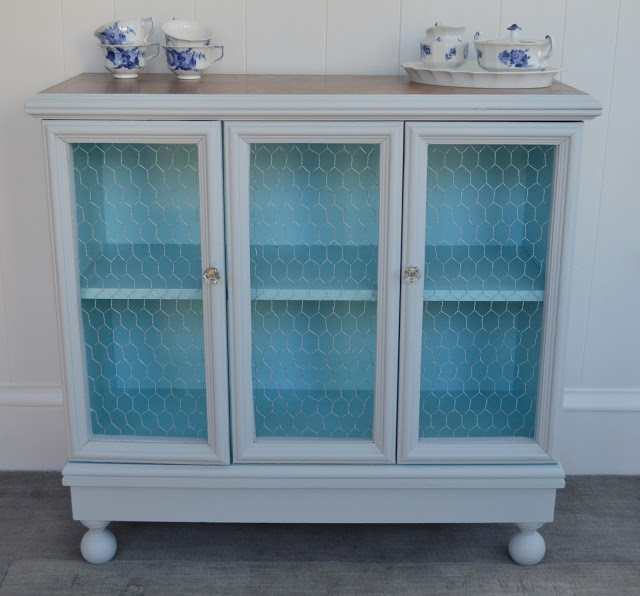 Auction Cabinet Makeover