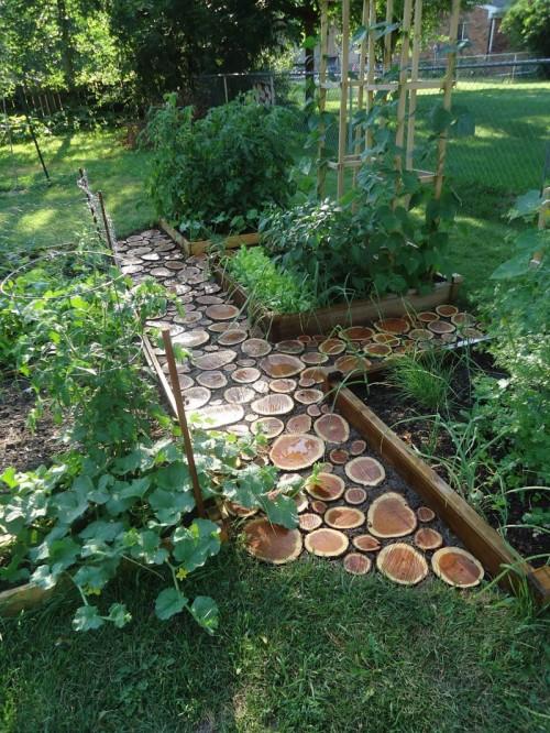Wood Slabs Garden Pathway