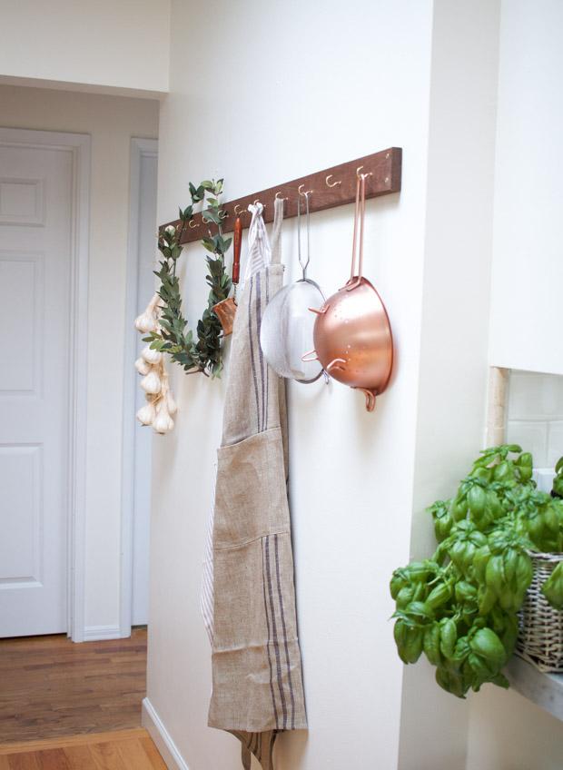 DIY Laurel Wreath with Kitchen Utility Hanger