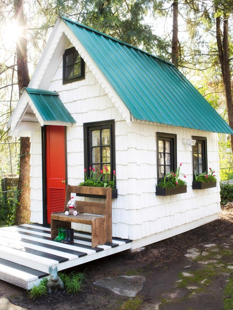 Gable Roof Wooden Playhouse