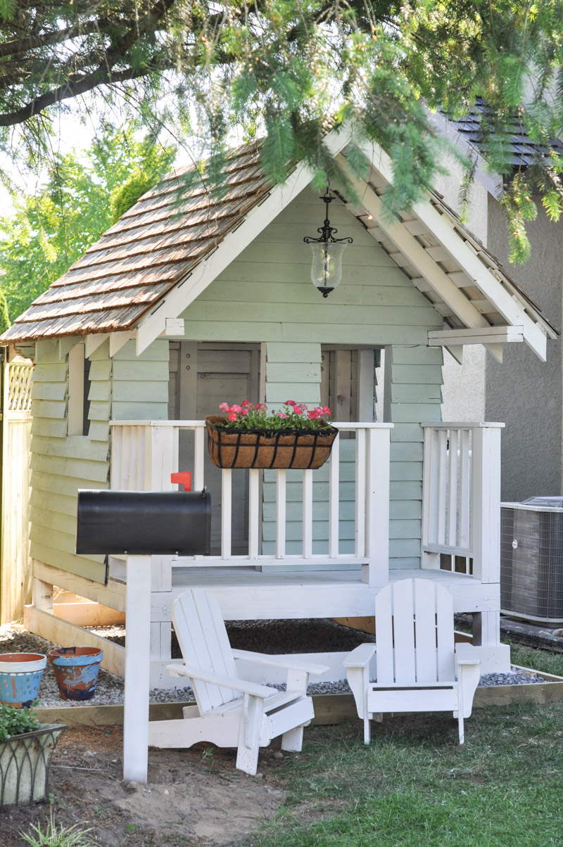 20 Adorable Outdoor Playhouse Ideas for Kids That Are No ...