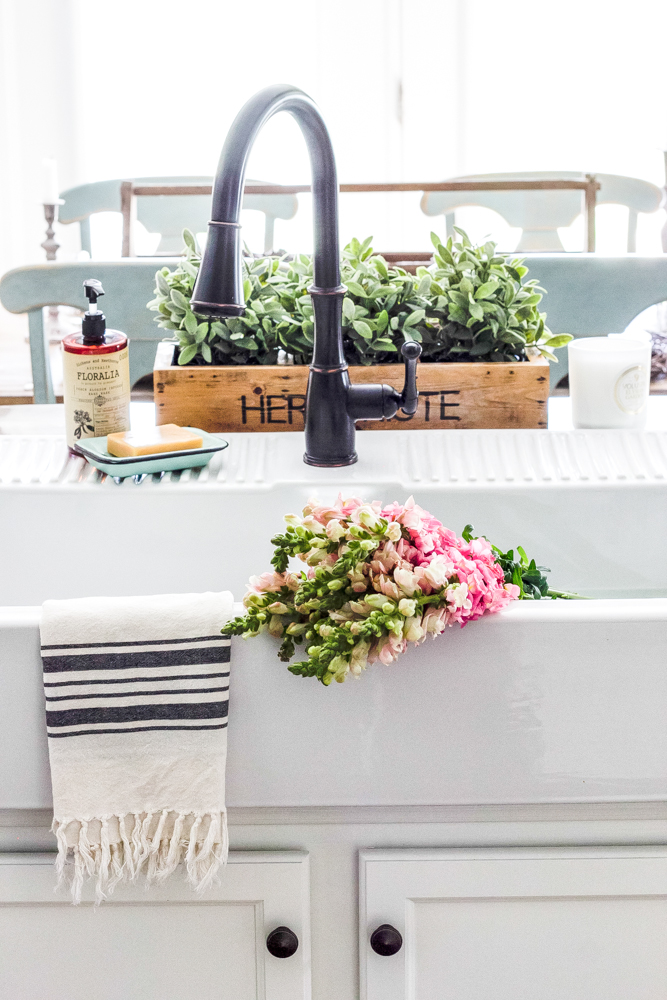 Farmhouse Sink adorned with Florals