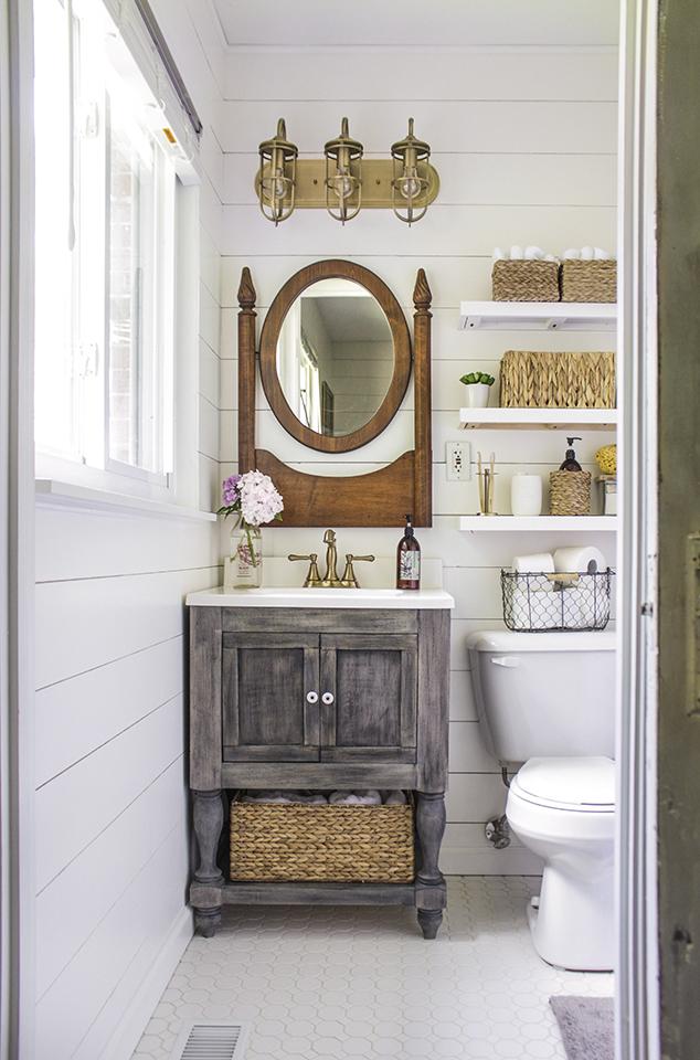 6. All Vintage Bathroom Decor