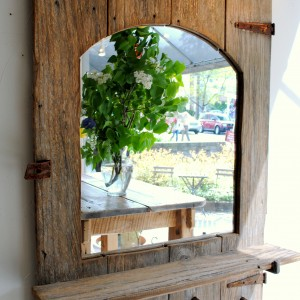 Mirror out of Reclaimed Wood
