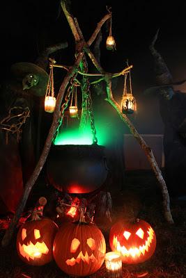 Brewing Cauldron and Jack-o-Lanterns