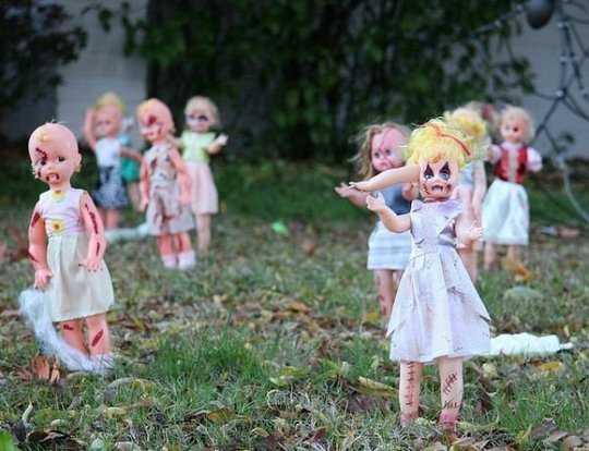 Creepy Ghost Dolls