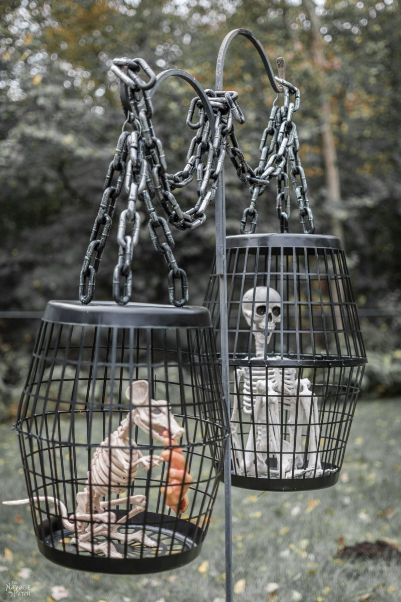 Hanging Cage Halloween Prop