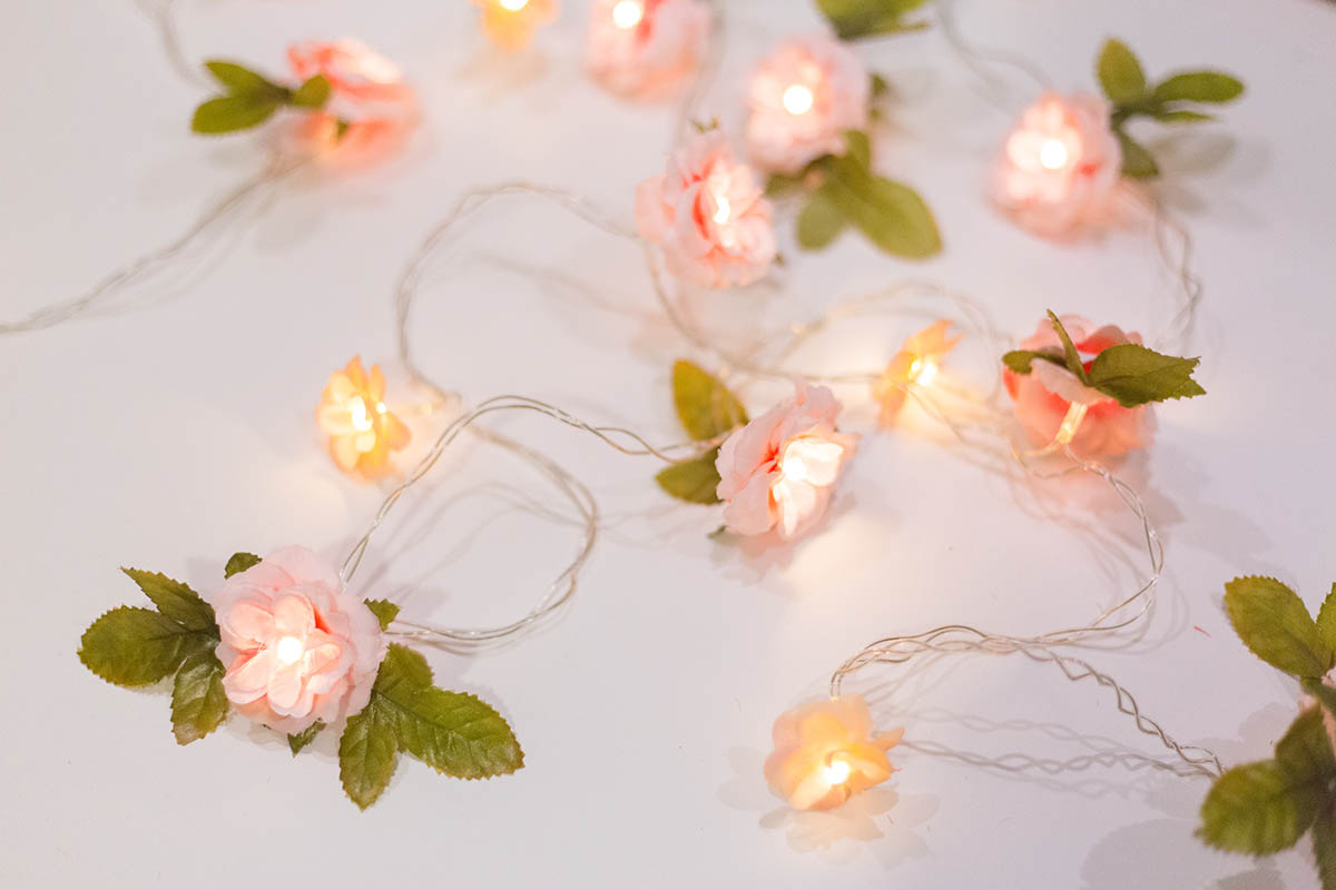 Light Bead With Artificial Flowers