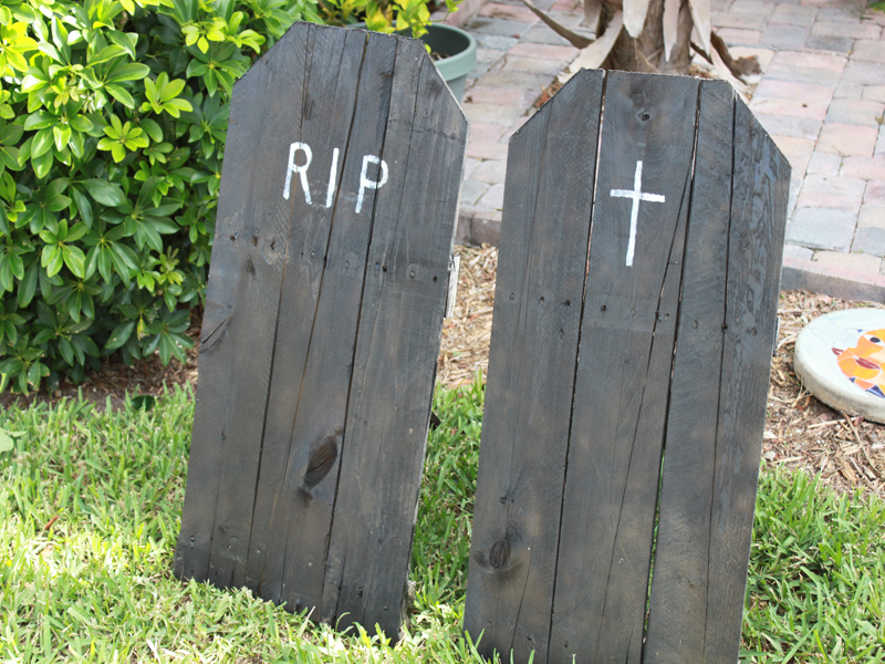 Upcycled Halloween Tombstones for Your Yard