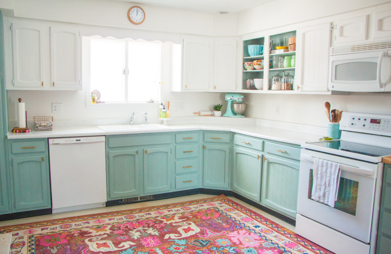 Bright and Affordable DIY Kitchen Update