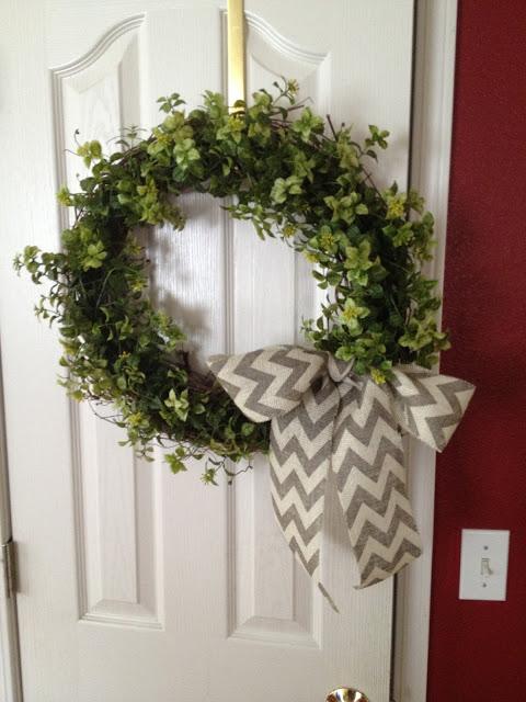 Garland Wreath – The 15 Minute, 15 Dollar Wreath