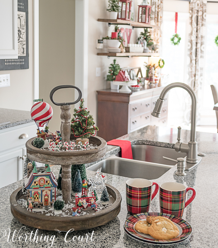 24 Kitchen Christmas Decor Ideas That Are All About