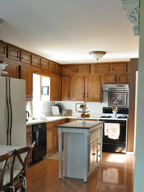 Light and Bright Kitchen Cabinet Makeover
