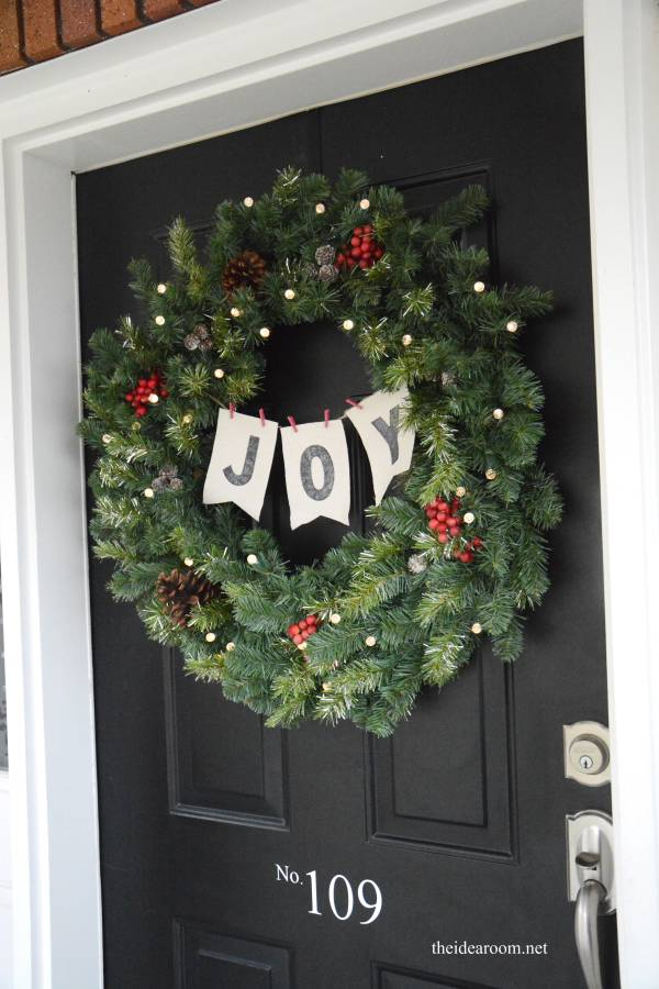 Wreath with Loads of Ornaments