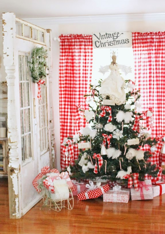 Nordic Farmhouse Red and White Tree