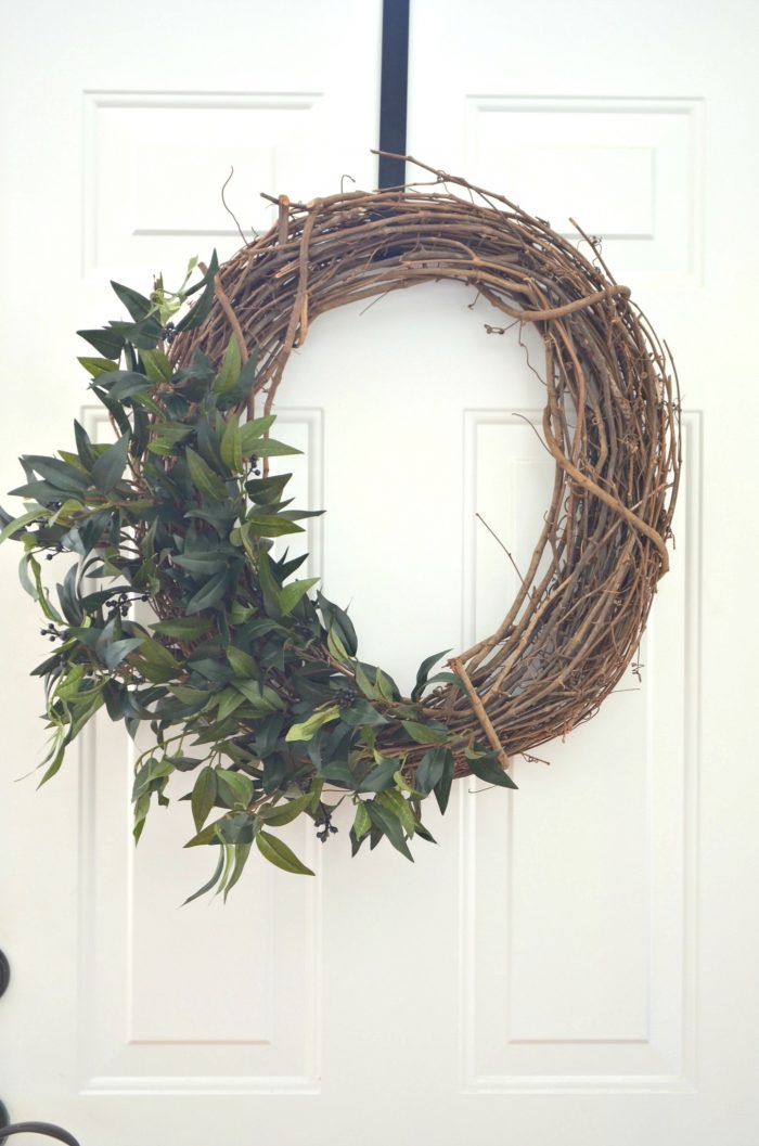 DIY Farmhouse Grapevine Wreath