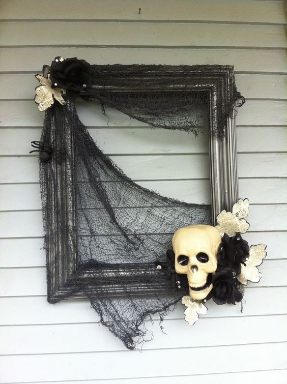 Halloween Wreath with Old Frame