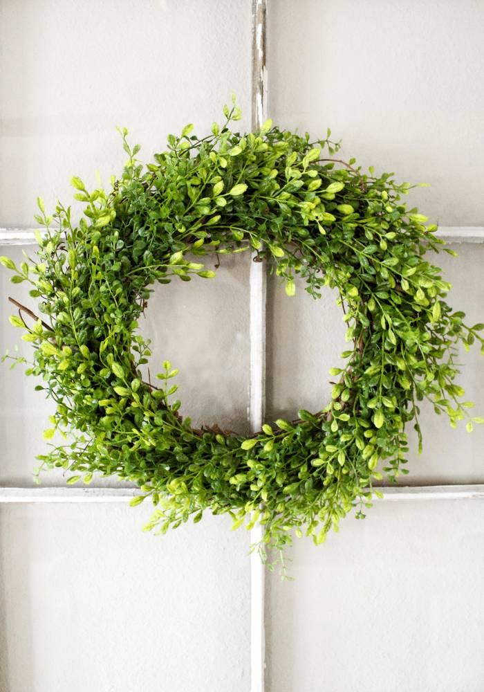 Make A Faux Boxwood Wreath