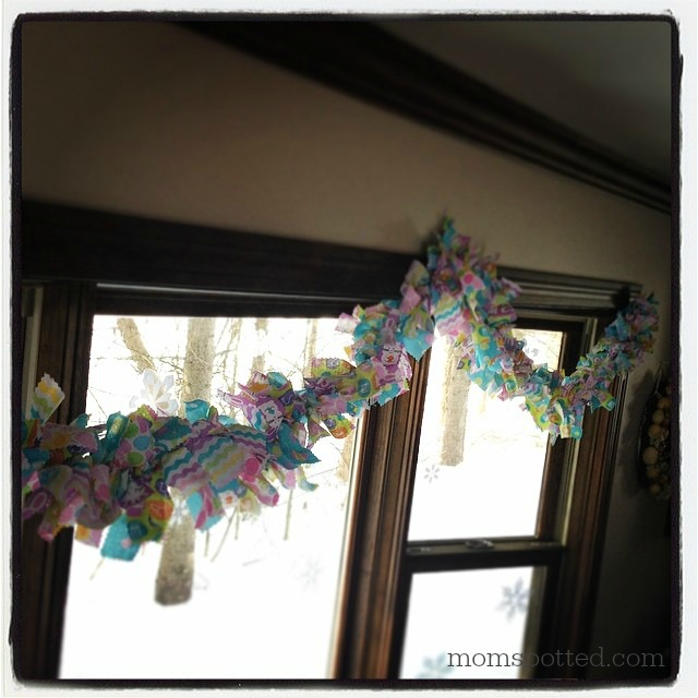 Make A No-Sew Fabric Garland