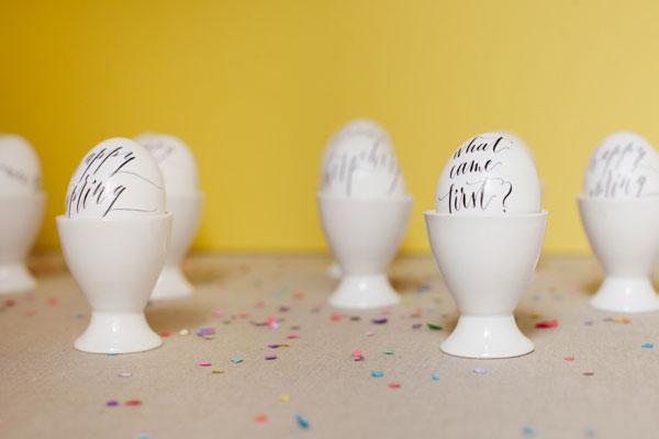 Calligraphed Eggs DIY
