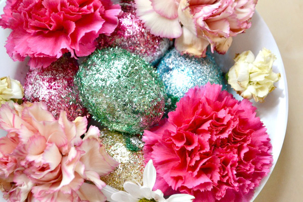 Glitter Egg and Flowery Centerpiece