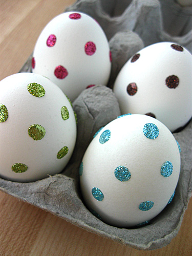 Make Sparkly Dot Easter Eggs