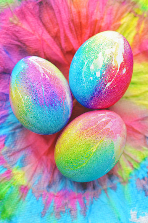 Tie Dye Easter Eggs Using Paper Towels