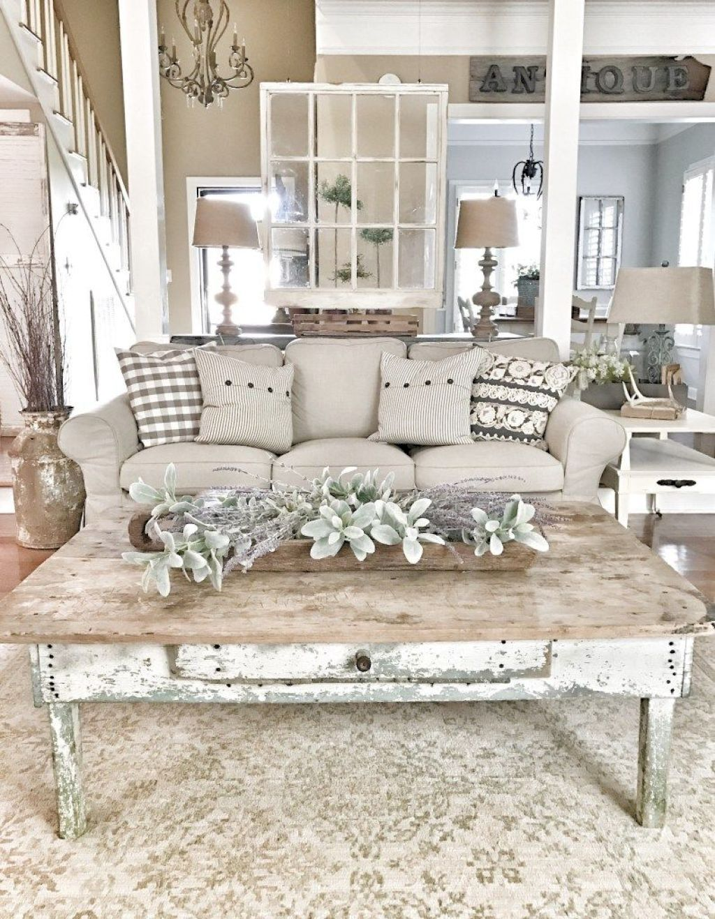 Cozy Farmhouse Living Room Decor